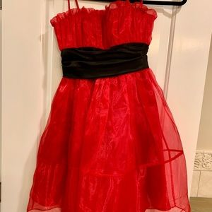 Betsy Johnson Black and Red Prom dress